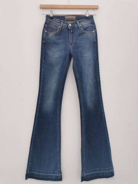 Ausgestellte Flygirl Jeans