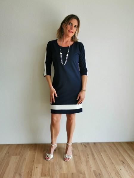 Exsy Kleid mit Kette